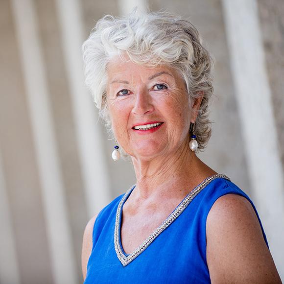 Dr. Margit Schütze-Gössner