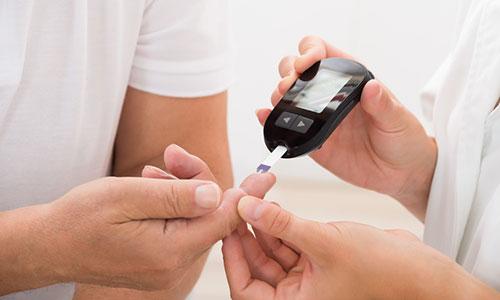 Dr. med. Schütze - Ratgeber Diabetes und Parodontitis